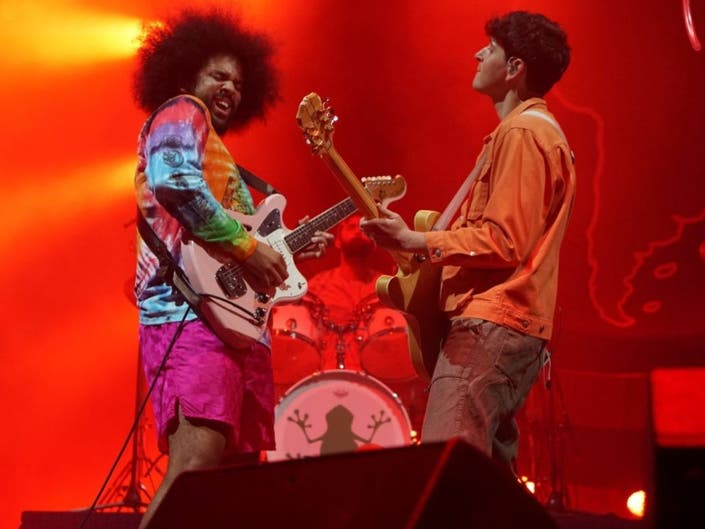 Concert Review: Vampire Weekends Father Of The Bride Tour Stop In San Francisco