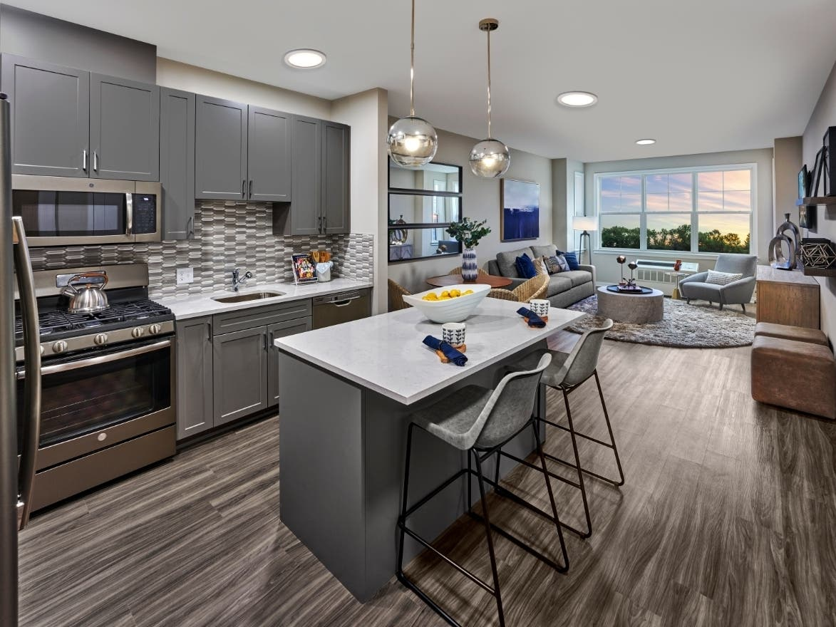 Centurion Debuts In Union Nj With Luxe Rentals And Amenities