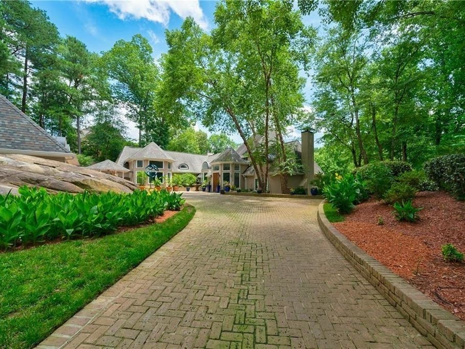 Must See: 6 Bedroom Buckhead House Has Separate Wing For Office