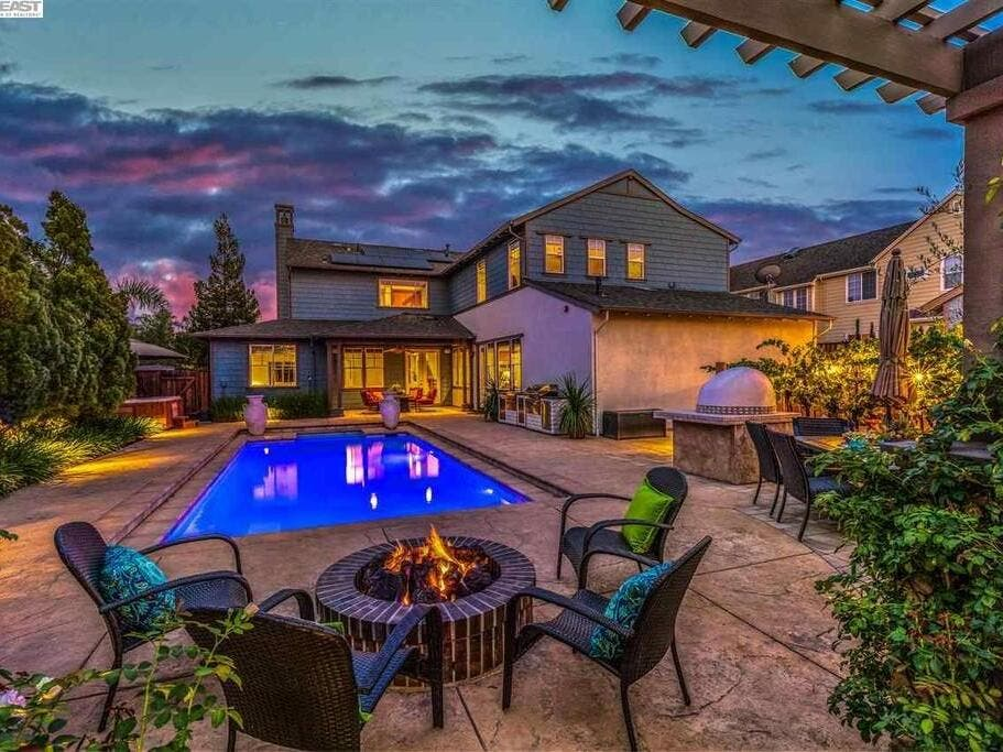 Whitehalls Christmas Candlelight Tour 2020 $1.5M Livermore Home Makes Backyard Entertaining A Breeze