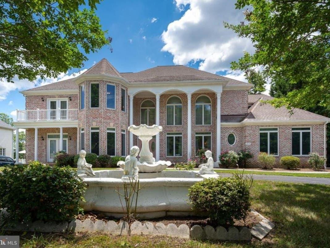 Spiral Staircases, Secret Bookcase Door: Virginia Dream Homes