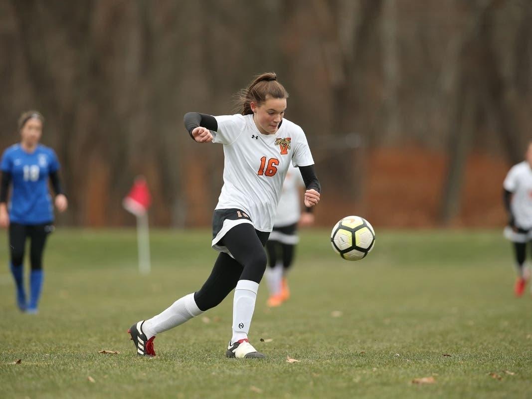 Walpoles Brooks Helps Vermont Academy Win Soccer Championship - Patch.com