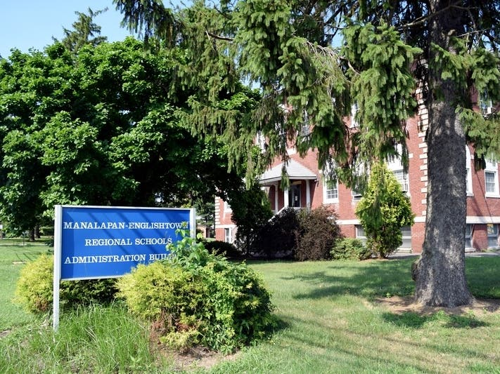 Manalapan School Honored With National Blue Ribbon Distinction