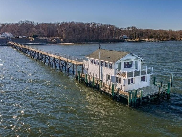 $3M Chesapeake Bay Mansion Has Guest House On Its Pier