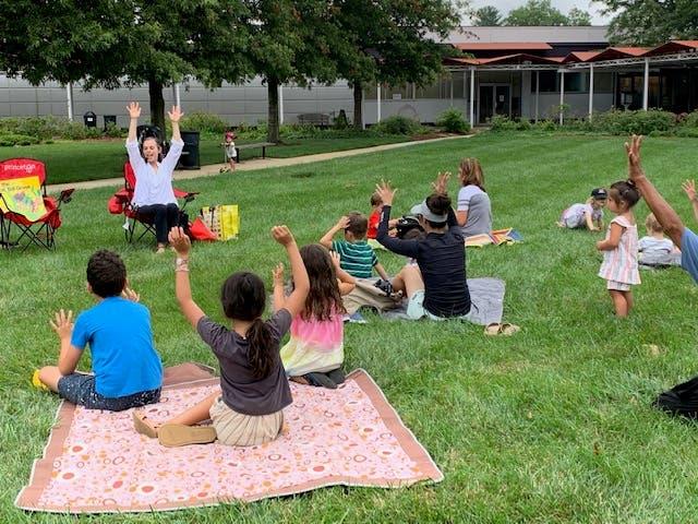 Kids: Outdoor Storytime at Princeton Shopping Center