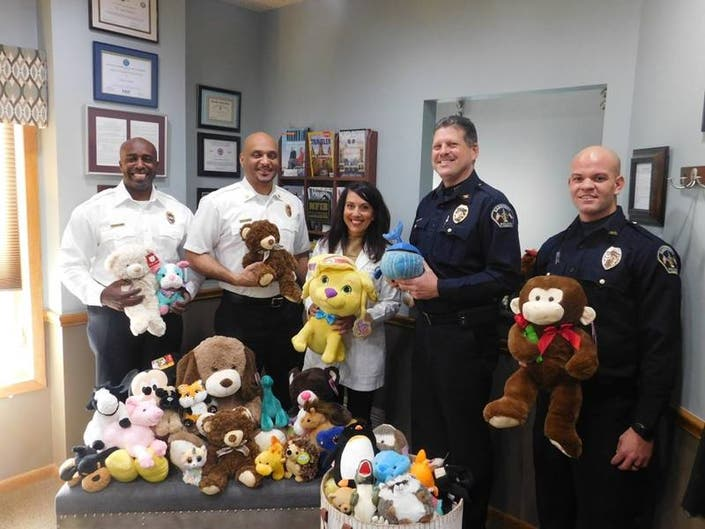Stefano Dental Kids in Crisis Stuffed Animal Drive;Donates 100
