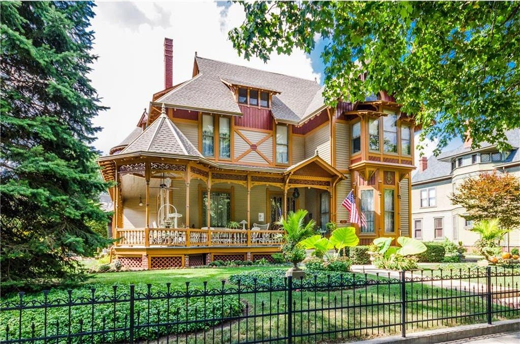 $1 1M Newly Listed Indianapolis Home: Mother-In-Law Suite