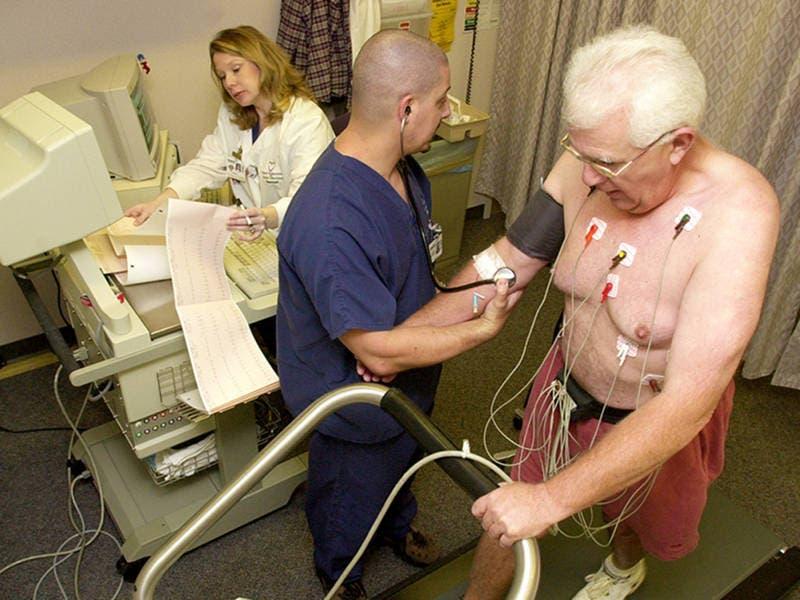 Oakton To Offer Ekg And Certified Nursing Assistant Certification