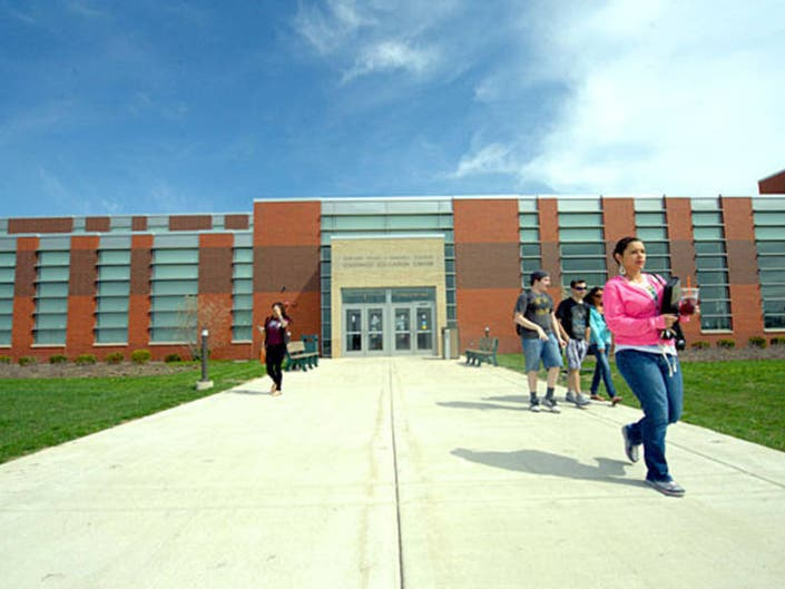 Over 100 Online Classes Offered At Moraine Valley For Spring 2019