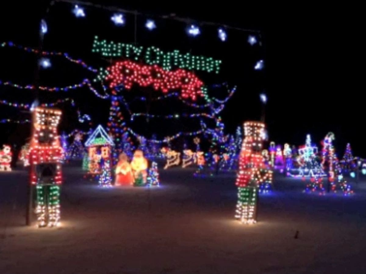 Christmas Fairs Nh 2020 Derry Nh TELL US: Where are the Best Holiday Lights in Londonderry