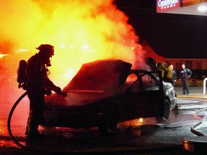 Car Fire Extinguished On Manchester Street In Concord