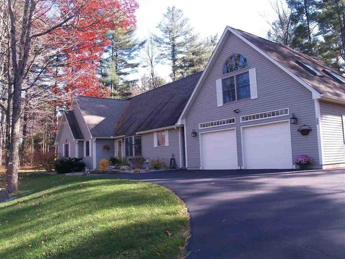 26 Oakmont Drive In Concord: Wow!
