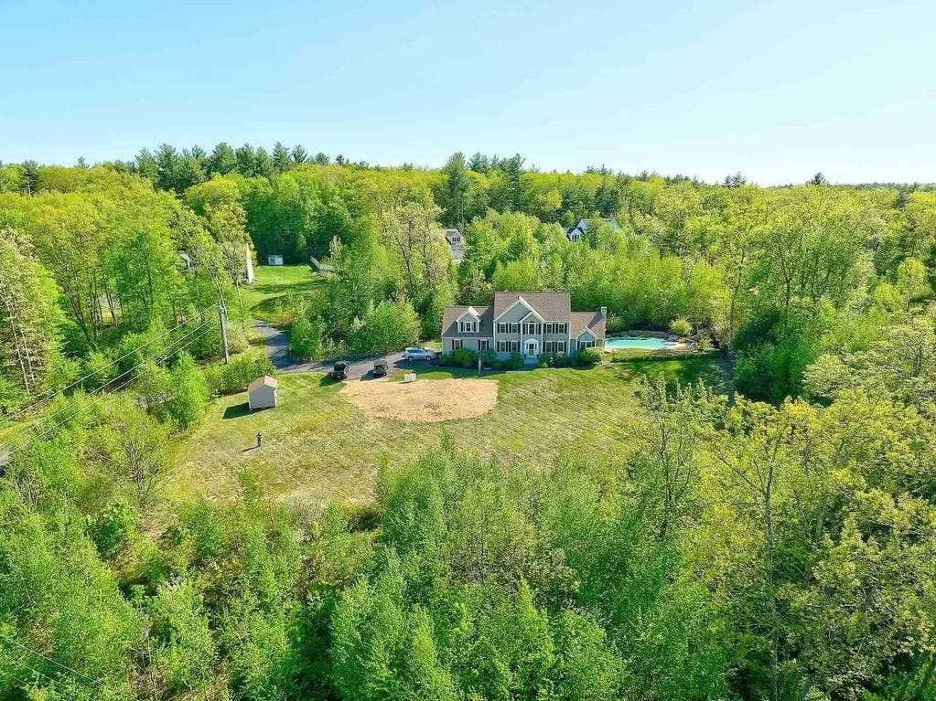 110 Rocky Pond Road In Hollis: Nearby Wow!