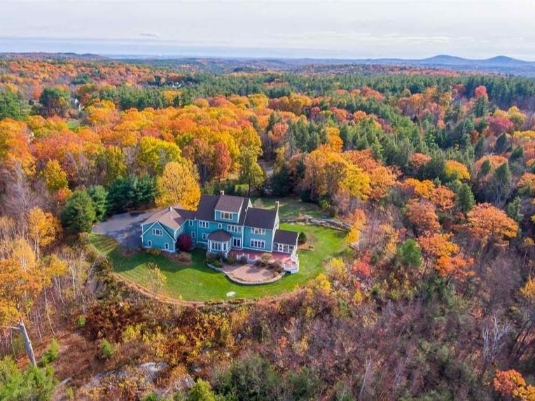6 Wilson Meadow Road In Bow, New Hampshire: Nearby Wow!