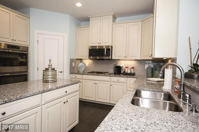 Perry Hall Wow House With Wet Bar Double Oven Climate Controlled Garage