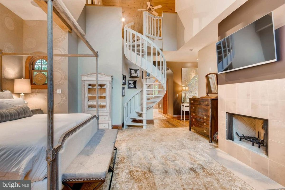 $2.29M WOW House Off Falls Road With Two-Story Master Suite ...