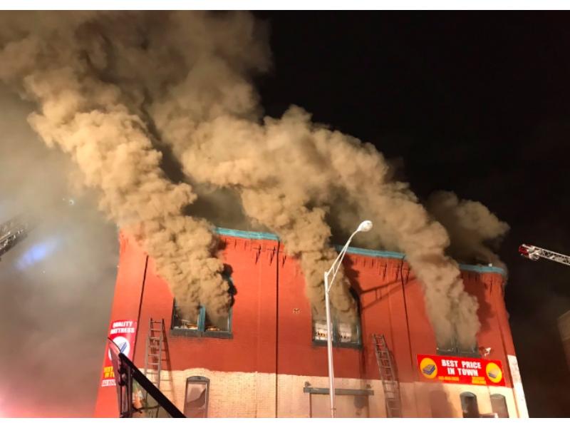Smoke Got In My Eyes At Madisons Owen >> 4 Alarm Fire At Baltimore Warehouse Sends Smoke Billowing