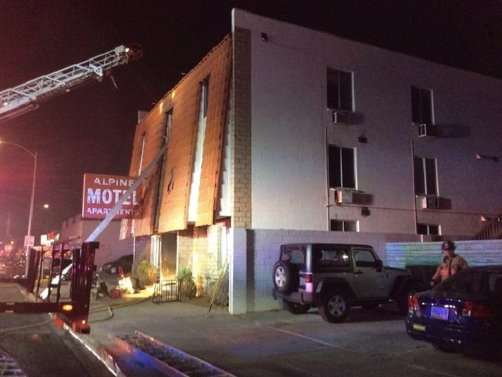 4 Dead In Las Vegas Apartment Fire, 7 Injured: Officials