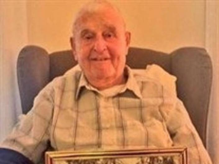Internet Rallies To Give WWII Veteran Proper Send Off