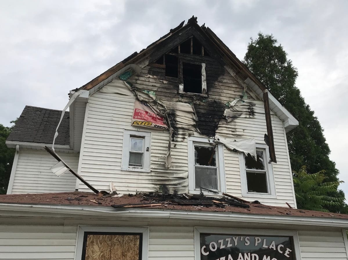 Fire At Former Pizza Restaurant In Poughkeepsie Video