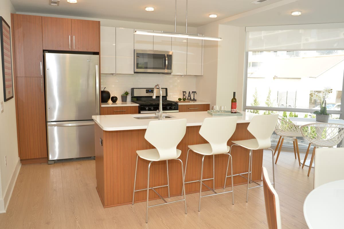 Luxury Rentals on the Hudson: One Opens, Another to Break