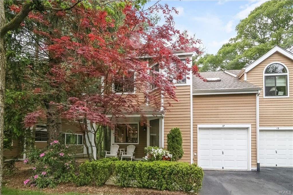 3-Bedroom Townhouse in Old Farm Lake | Chappaqua, NY Patch