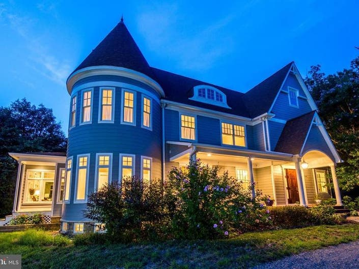 Look Inside: $1.499M For 2-Story Turret, In-Law Suite Over Garage