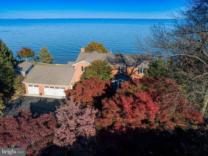 Look Inside: $1.49M For Bay Views, Floor To Ceiling Windows, Pier