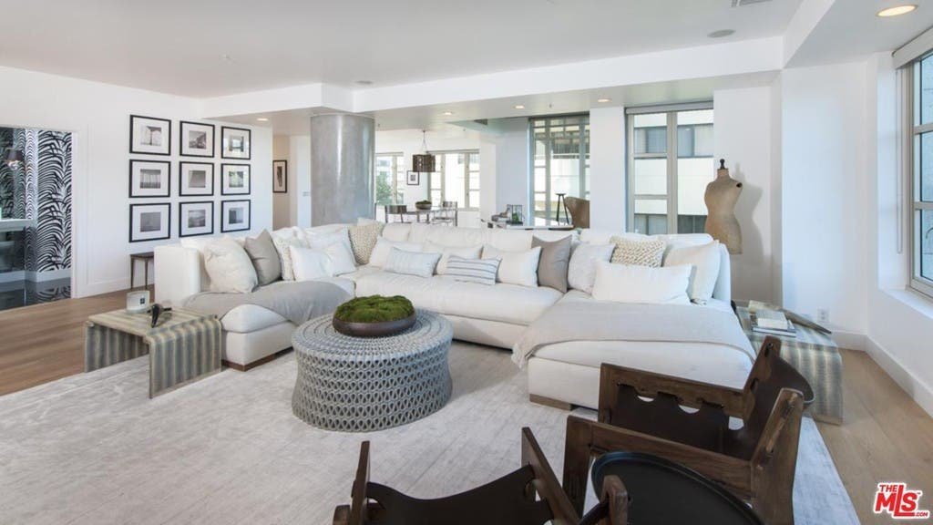 Kendall Jenner S Luxury Condo Is A Sweet Deal