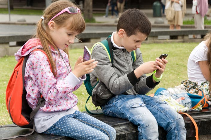 Students May Be Banned From Using Phones In Calif. Schools
