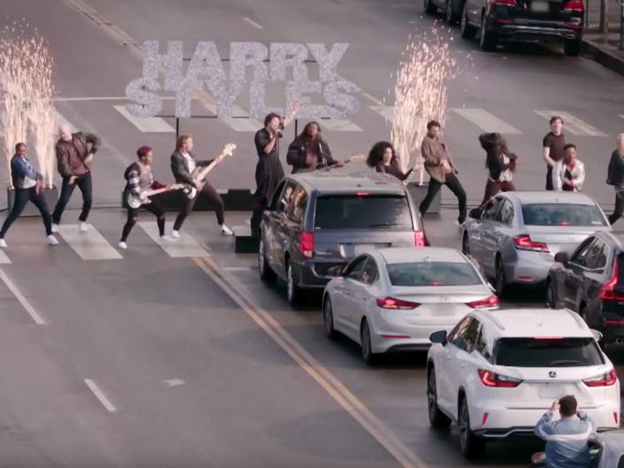 Watch Harry Styles Stop LA Traffic With Crosswalk Concert