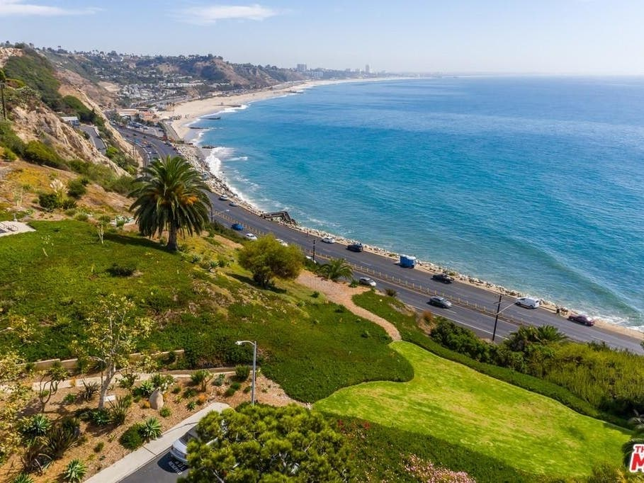 Million Dollar 1 Bedroom Listed In Pacific Palisades