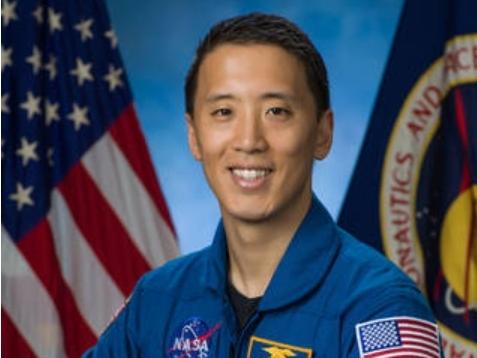 NASA Chooses 2 LA County Men For Moon Mission