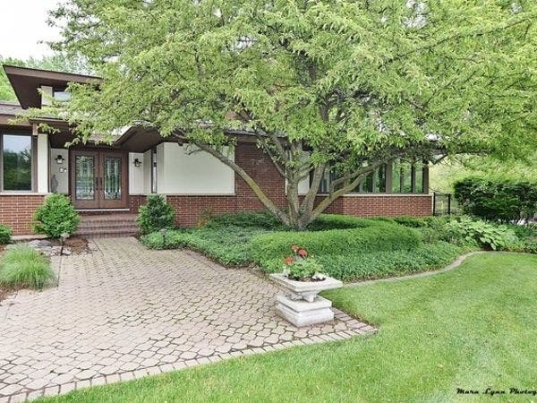 Fully Loaded Mansion, Waterfront Luxury, Architectural Gem: Illinois ...
