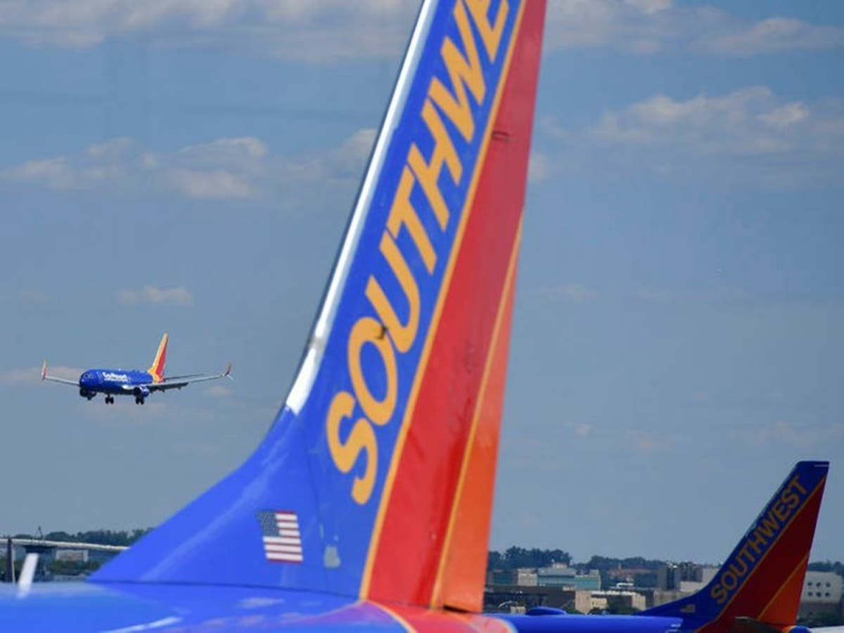 Racial Slur Gets Chicago Passenger Booted From Plane