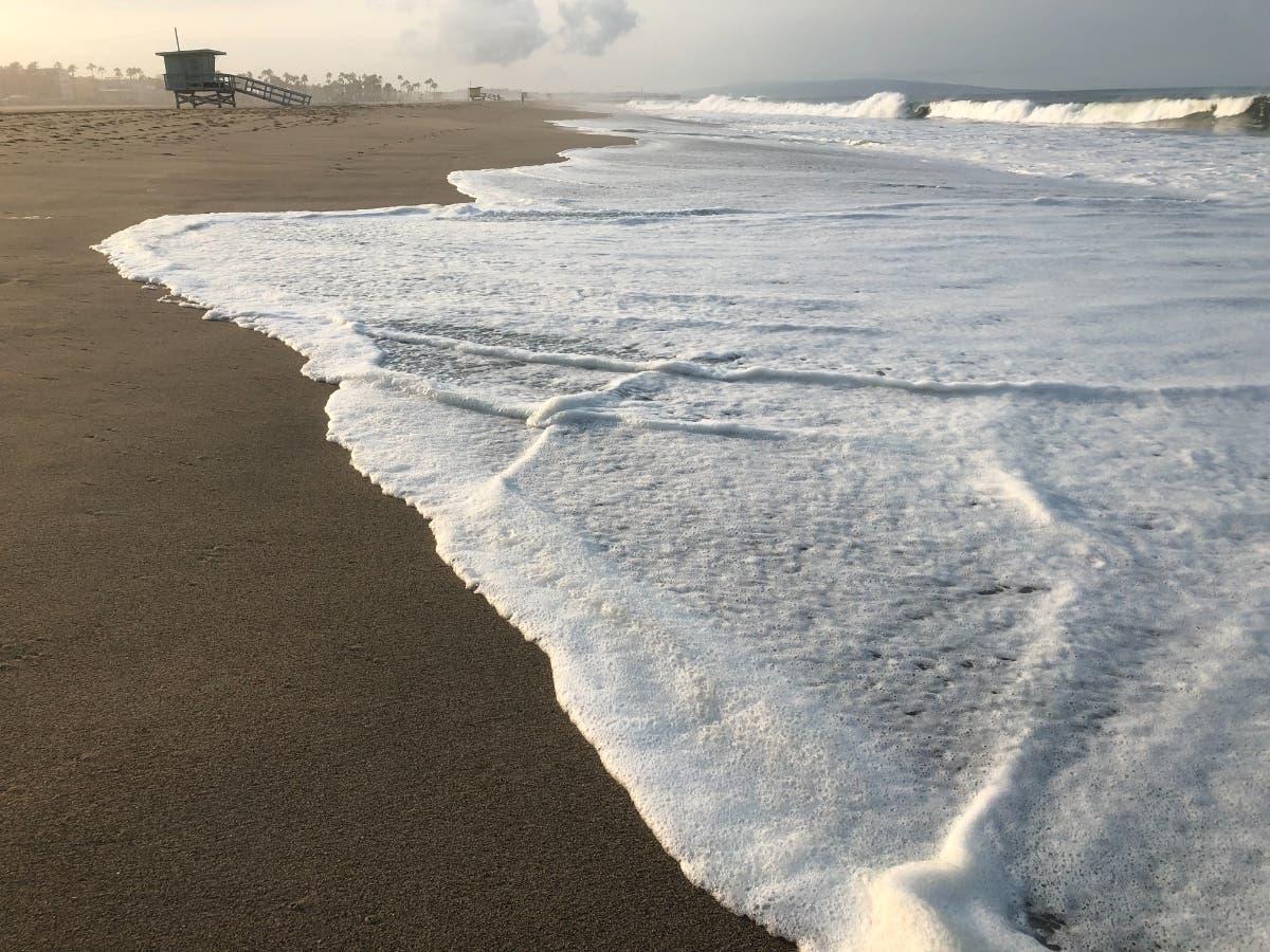 pacific coast venice beach ocean waves   16174955486.