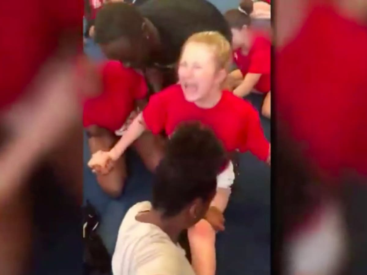 Crying Cheerleader Forced By Coach To Do Splits That Tore