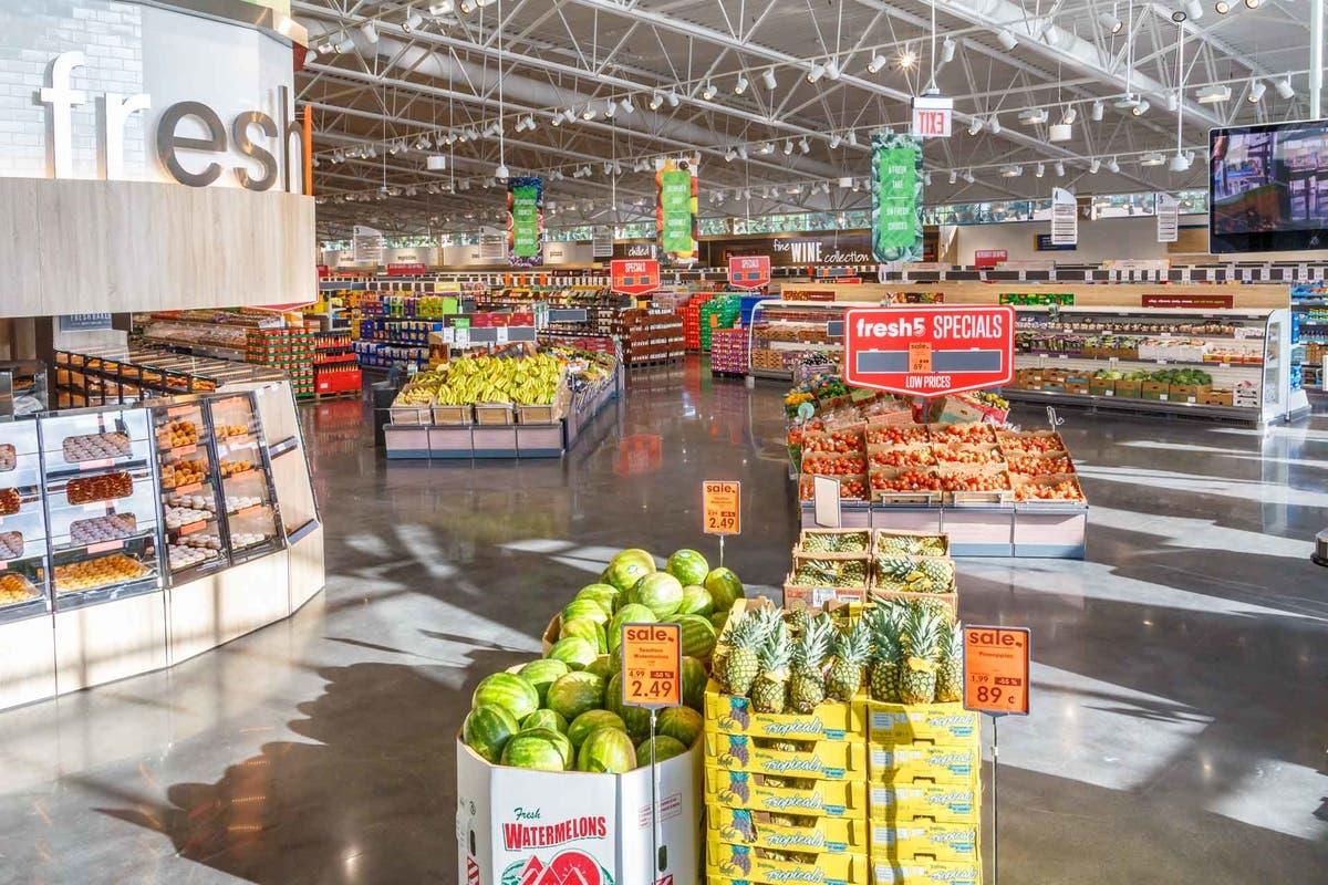 grocery stores near cornelia, ga