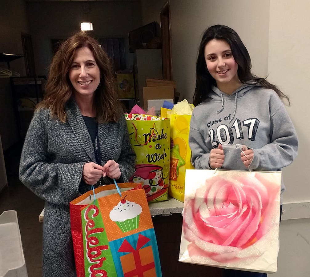 Norwood Honor Society Presents Kids Birthday Bags To Food