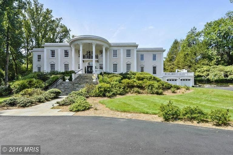 White House Lookalike In Mclean Up For Auction Mclean