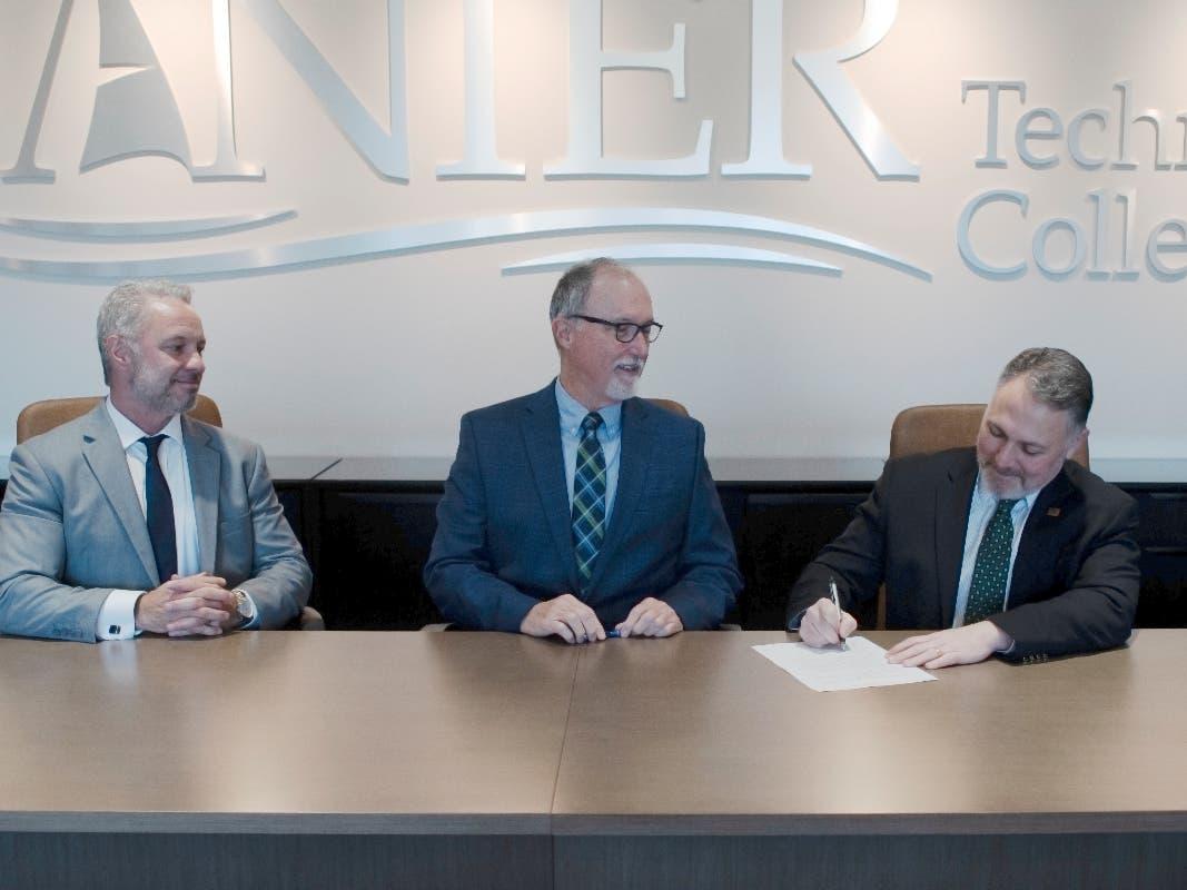 Lanier Tech College Piedmont College Sign Transfer Agreement Cumming Ga Patch