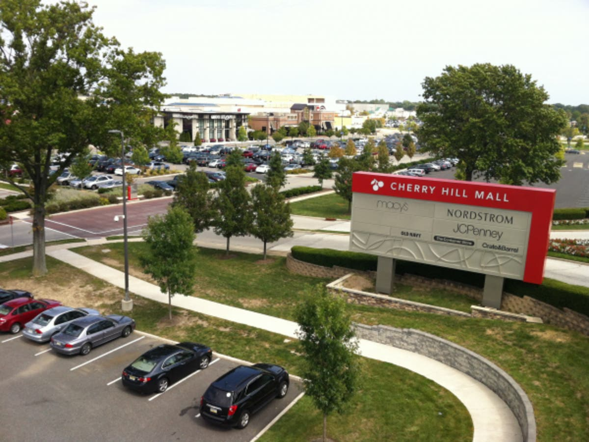 Cherry hill mall holiday hours