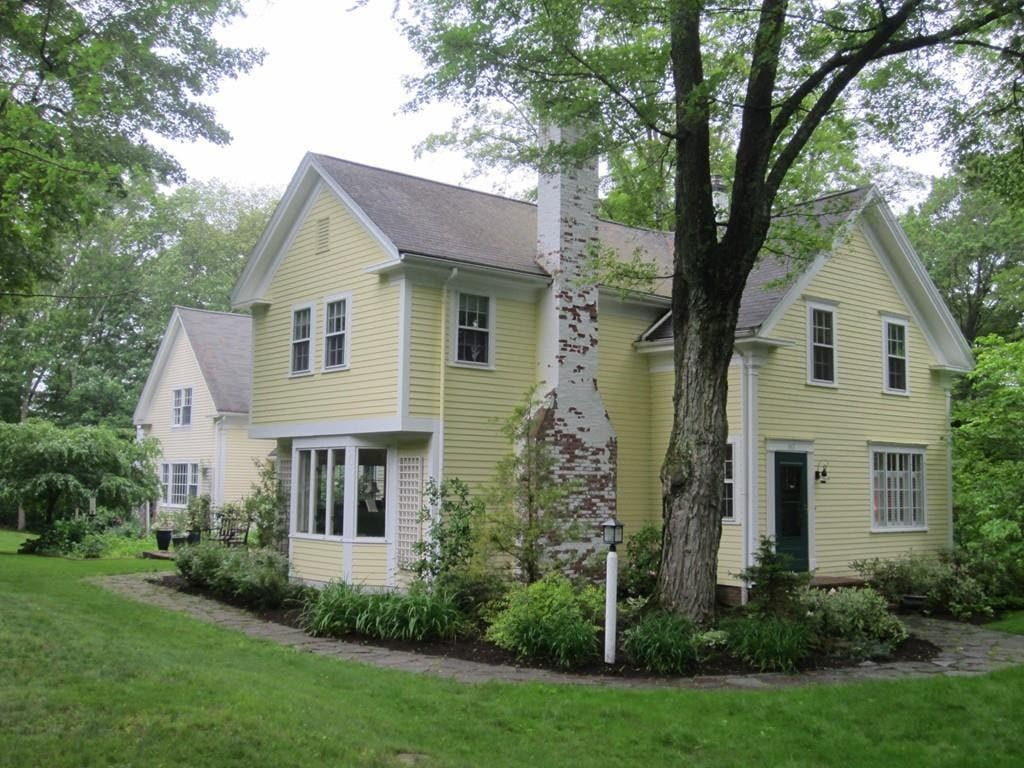 ... Natick Wow! House Features Library, 3-Season Porch, 3 Staircases-0 ...
