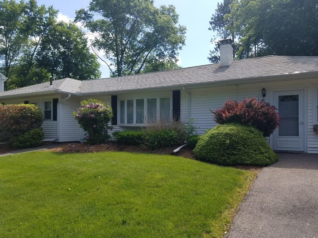 ... West Natick Ranch With Pool: Properties Under $500,000-0 ...