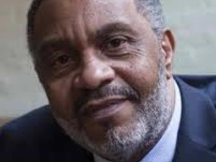 Anthony Ray Hinton Wins Christopher Award For Sun Does Shine